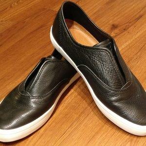 Frye Kerry Slip-on Black Leather